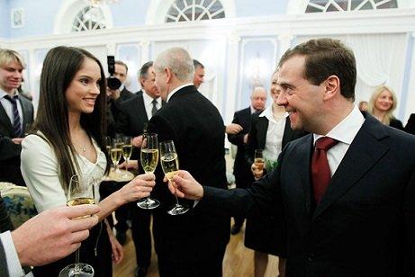 «Винодельня Медведева» начала продажи эксклюзивного вина в РФ